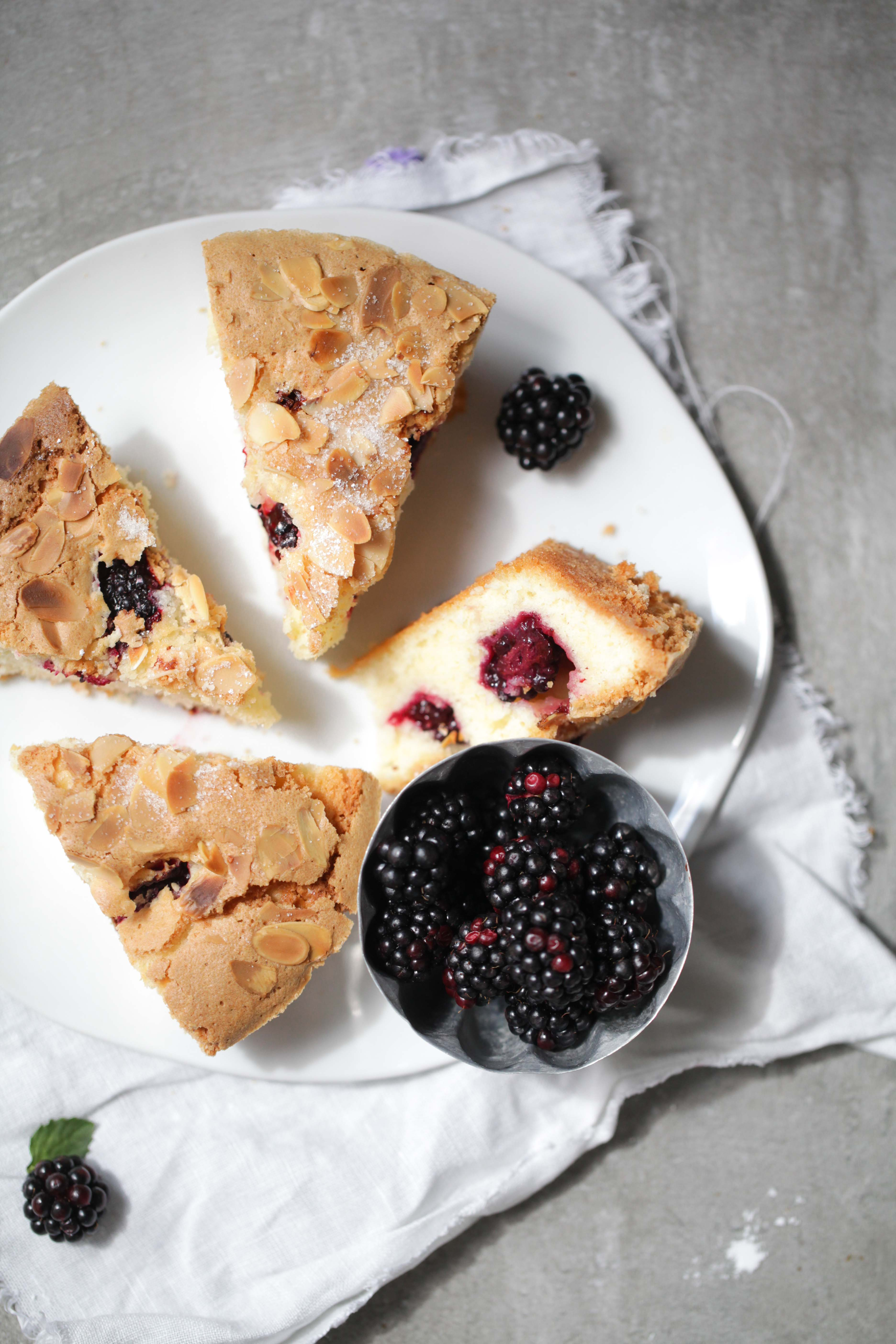 Rezept Brombeerkuchen Mandelkuchen Blackberry Cake Recipe Sommerkuchenrezept einfacher Kuchen Backblog Foodblog Zuckerzimtundliebe