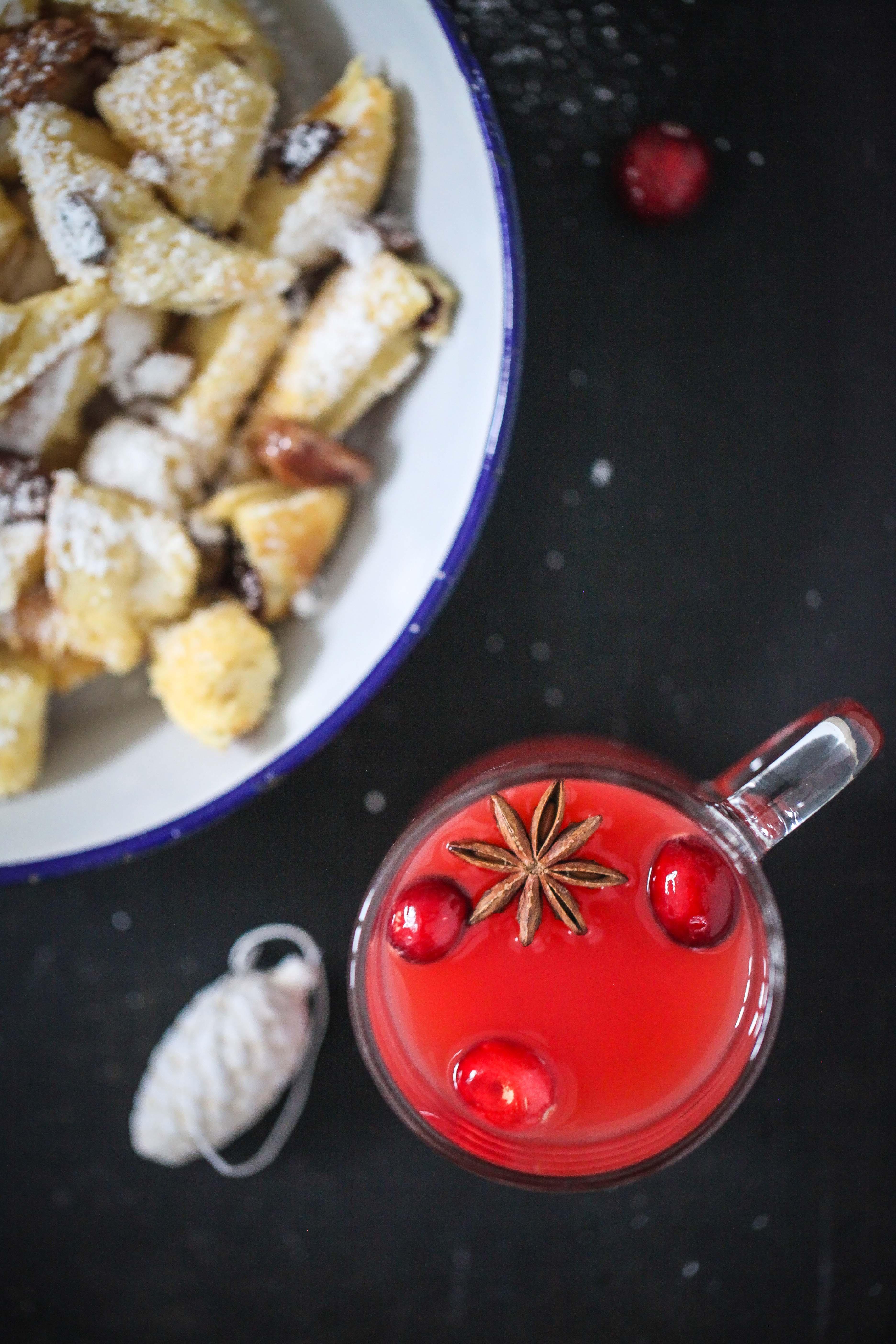 Rezept für Weihnachtsschmarrn Kaiserschmarrn mit Cranberries und gebrannten Mandeln Zuckerzimtundliebe Foodblog Backblog Weihnachtspunsch