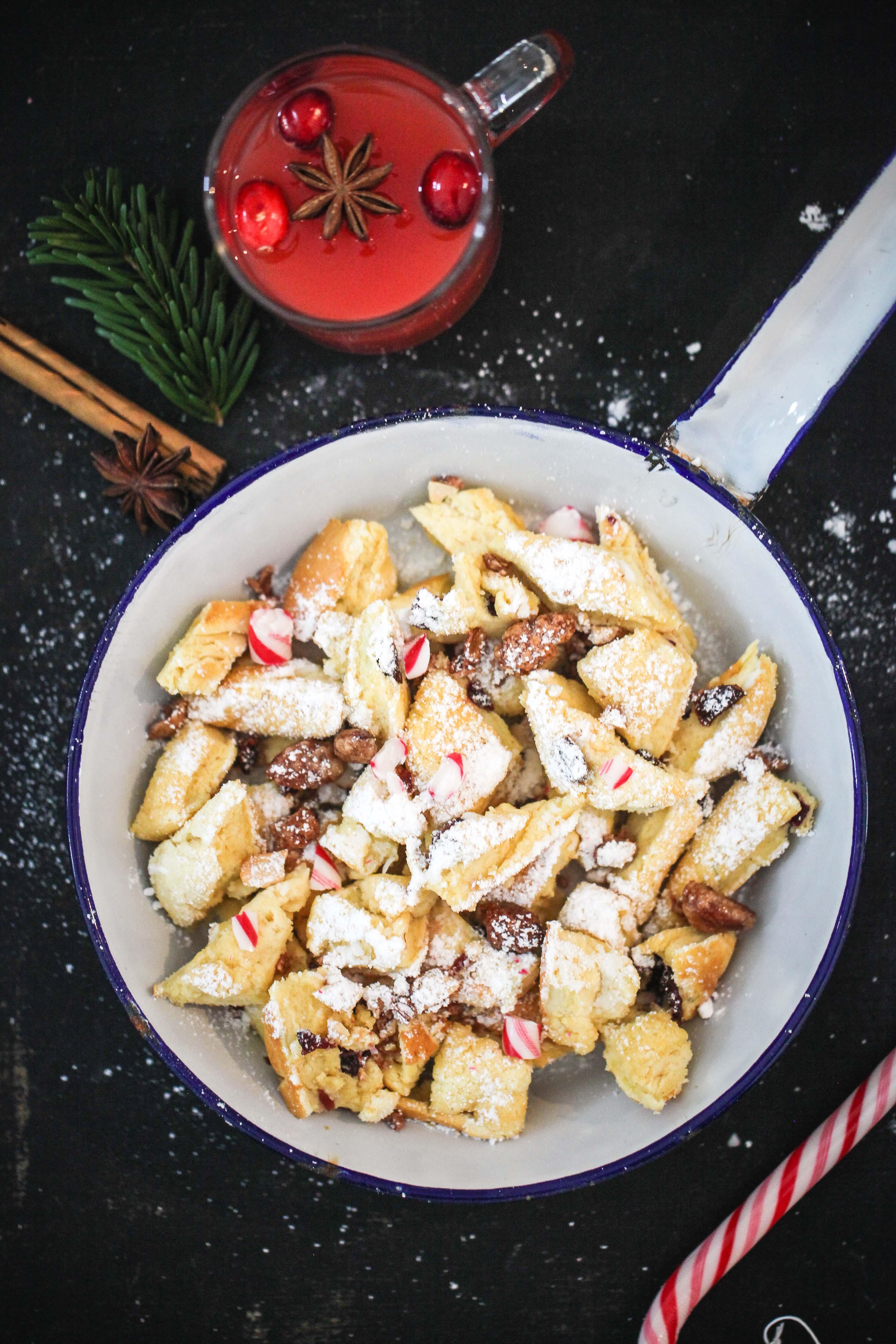 Rezept für Weihnachtsschmarrn Kaiserschmarrn mit Cranberries und gebrannten Mandeln Zuckerzimtundliebe Foodblog Backblog