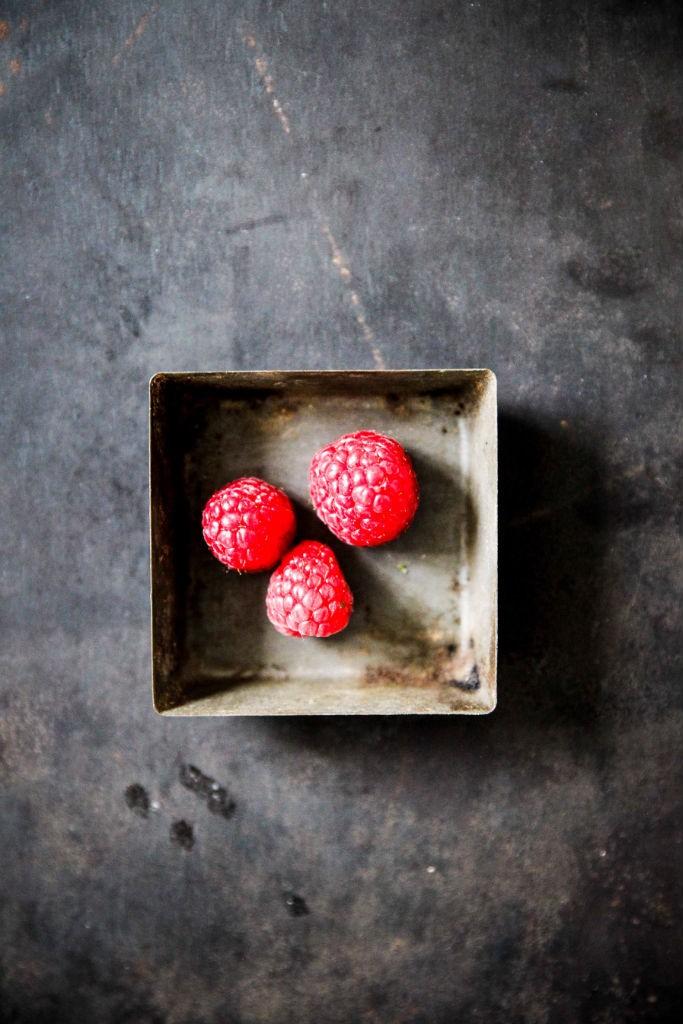 Kakao Kaiserschmarrn Kakaoschmarrn Schmarrnrezept Pulled Pancake mit Himbeeren Frühstück Frühstücksglück Zuckerzimtundliebe Österreich Mehlspeise Schokoladenkaiserschmarrn Raspberries Still