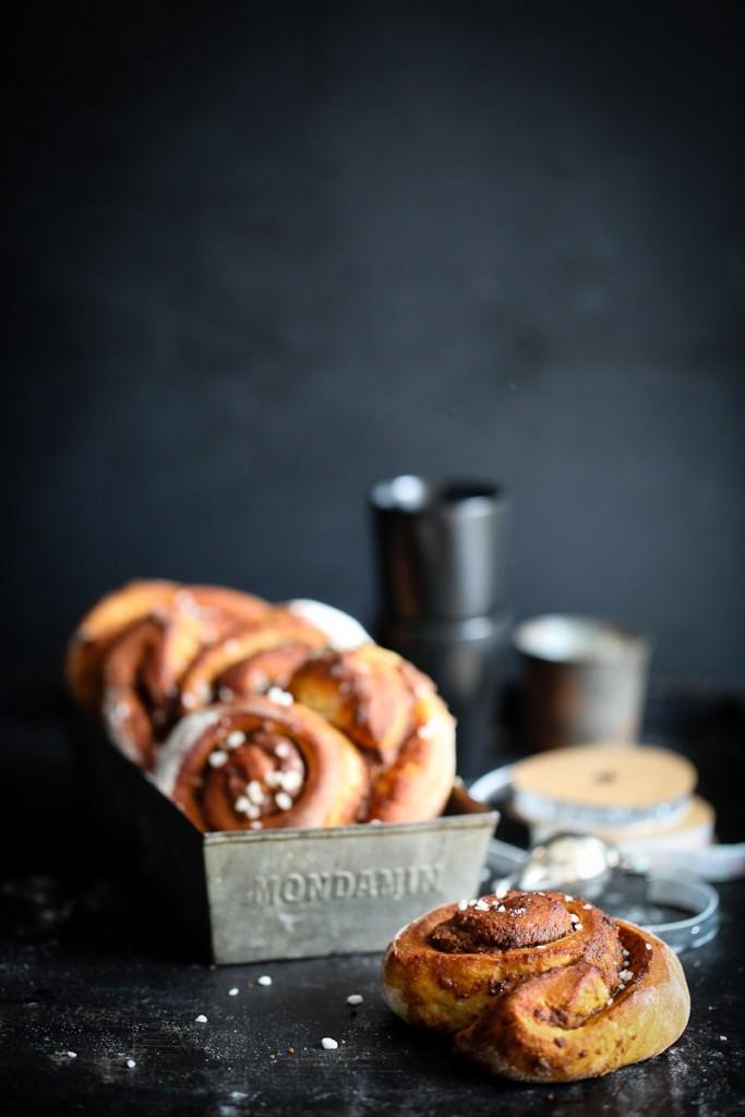 Rezept für Lebkuchen Zimtschnecke Zimtschneckenrezept Lebkuchenfüllung Adventsgebäck Foodstyling cinnamon bun cinnamon rolls Weihnachtsbaeckerei Zuckerzimtundliebe beste Weihnachtsrezepte