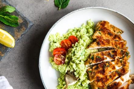 Rezept Minz Spinat Couscous mit knusprigem Zitronen Hühnchen Zuckerzimtundliebe einfaches Mittagessen lunch bowl recipe foodblog foodstyling