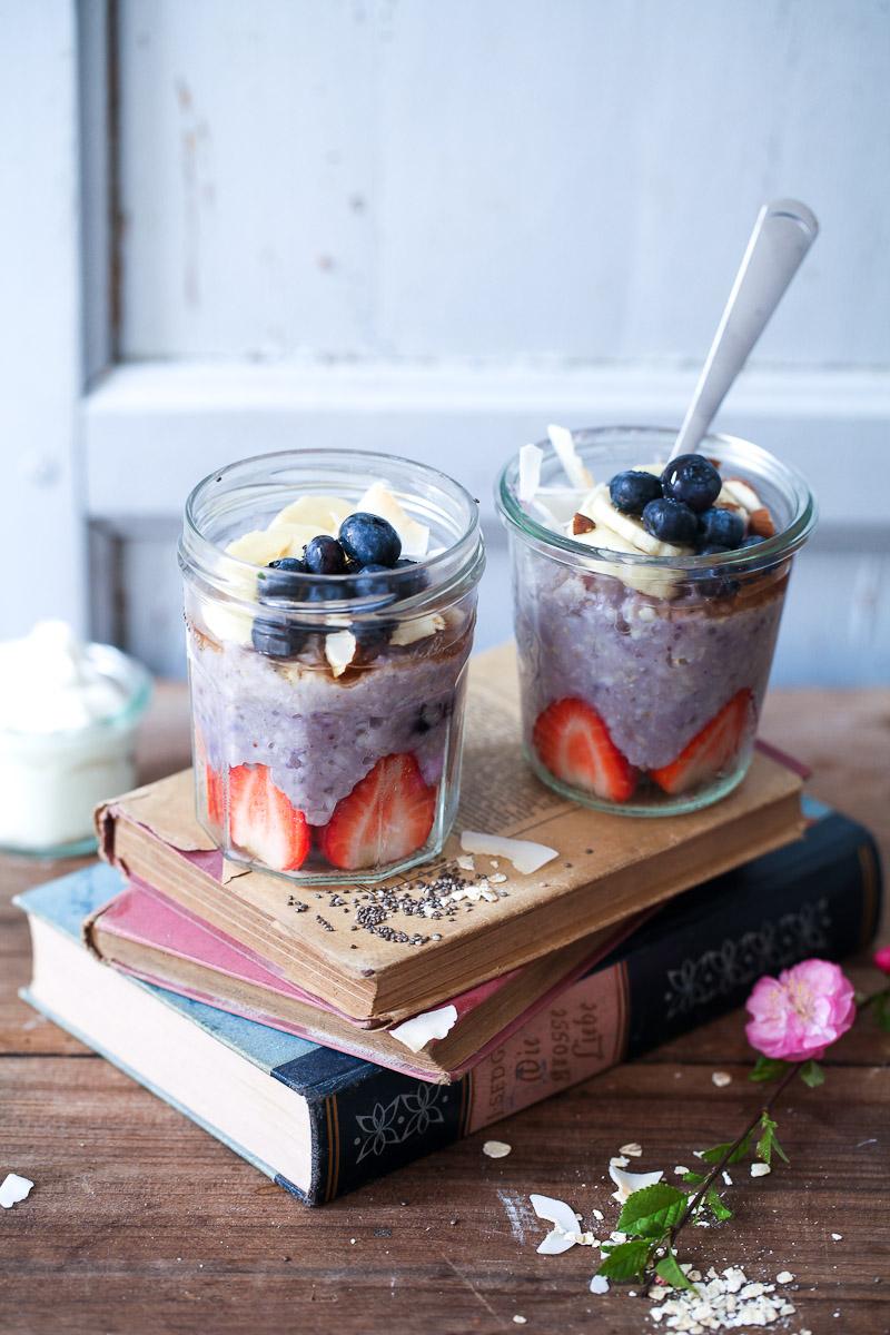 blaubeer porridge rezept zucker zimt und liebe. Black Bedroom Furniture Sets. Home Design Ideas