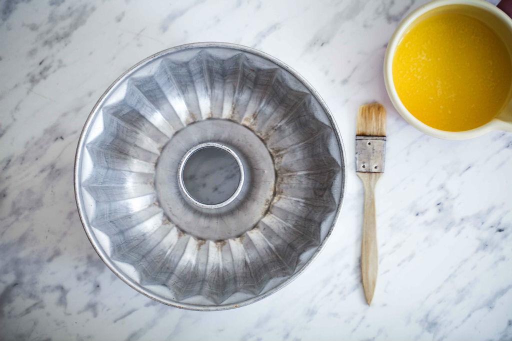 7 häufigste Backfehler Kuchenbacken goldene Regeln wie fette ich eine Form flüssige Butter zuckerzimtundliebe Backschule