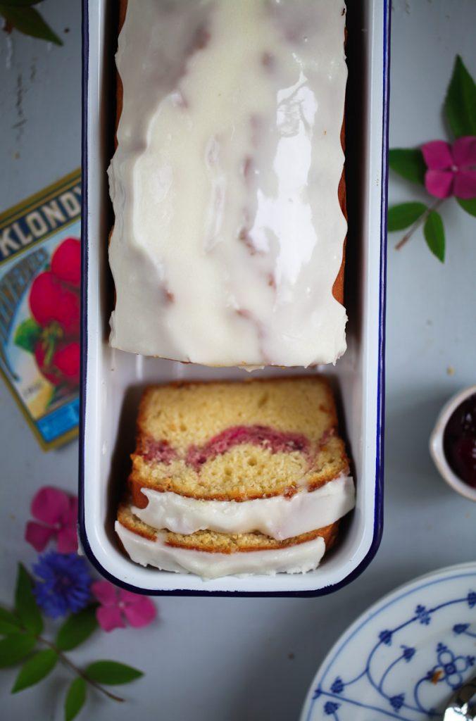 Marmeladen Swirl Kastenkuchen Rührteig Jam swirl loaf poundcake recipe Backrezept einfache Kuchen leckerer Kuchen Sommerrezepte sommerkuchen Picknickrezept backen backblog