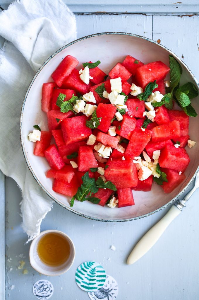 Rezept Wassermelone Salat mit Feta und Minze frischer Sommersalat bester Salat grillsalat Salat zum Grillen mit Melone Watermelon Feta Mint Salad Recipe Rezept Foodstyling food photography zuckerzimtundliebe