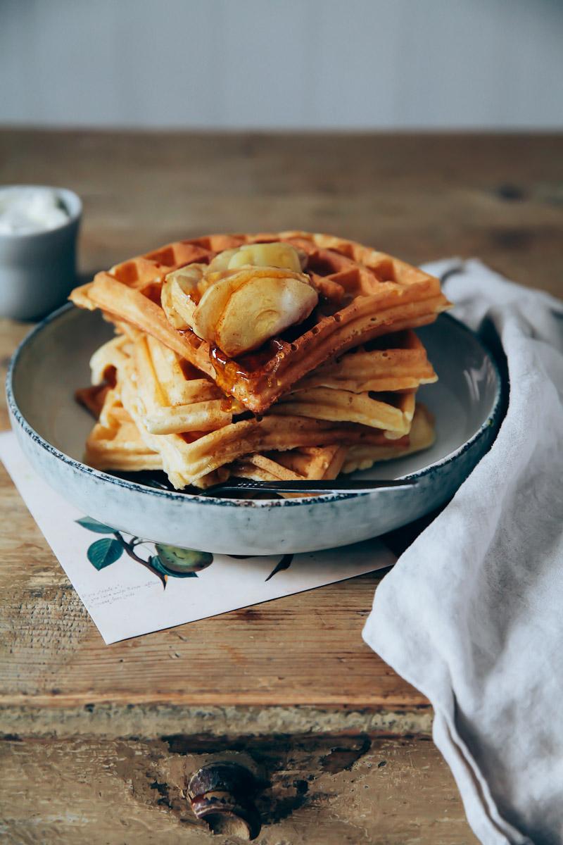 rezept f r dicke waffeln mit warmen zimt pfeln aus dem ofen waffles with baked cinnamon apples. Black Bedroom Furniture Sets. Home Design Ideas