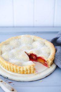 Pflaumen Pie Rezept Pflaumenkuchen einfache Tarte Backen Backrezept Herbstkuchen Backen mit Pflaumen Plum pie recipe zuckerzimtundliebe