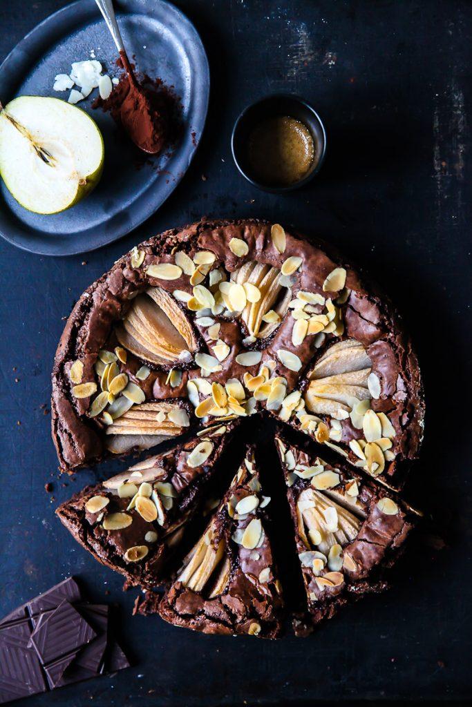 die besten schokoladen brownies brownie rezept mit birnen pear brownies recipe foodstyling food photography zuckerzimtundliebe birnenkuchen schokoladenkuchen backen herbstkuchen backen im herbst