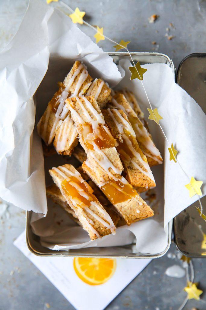 Chivers Marmeladen Weihnachtskekse mit Chivers Orangenmarmelade und Zuckerglasur Chivers Orange Jam Jam cookies thumbprint cookies zuckerzimtundliebe weihnachtsbäckerei backen an weihnachten einfache kekse mandelpätzchen