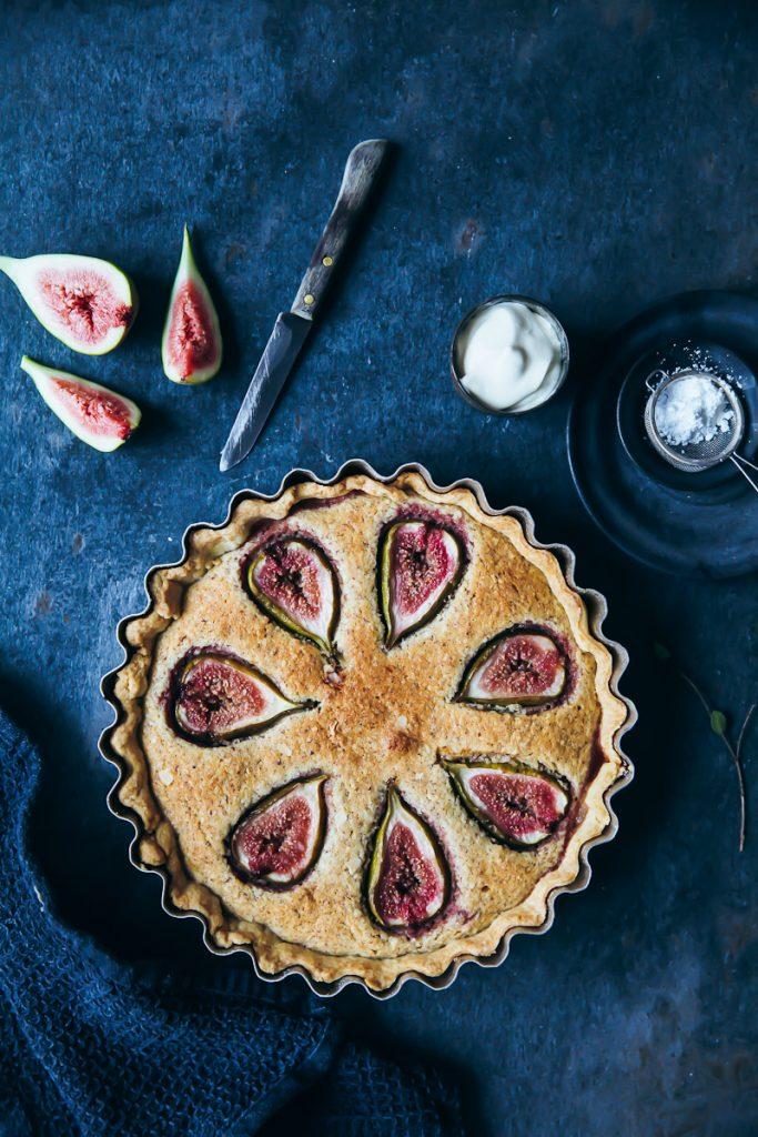 Feigen Frangipane Tarte Mandelfüllung einfaches Tarterezept mit Mürbeteig und Mandeln Nusskuchen fig tart recipe zuckerzimtundliebe foodstyling foodblog backen