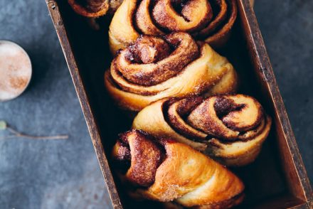 Franzbrötchen Kakao Zimt Füllung Hefeteig Hefegebäck selber backen german cinnamon roll recipe zuckerzimtundliebe foodstyling foodphotography