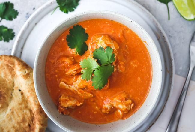 Butter Chicken Rezept Indische Küche Indisch kochen Indisches Curry mit Hühnchen Garam Masala Koriander Naan Brot zuckerzimtundliebe foodblog asiatisch kochen bestes curry foodstyling