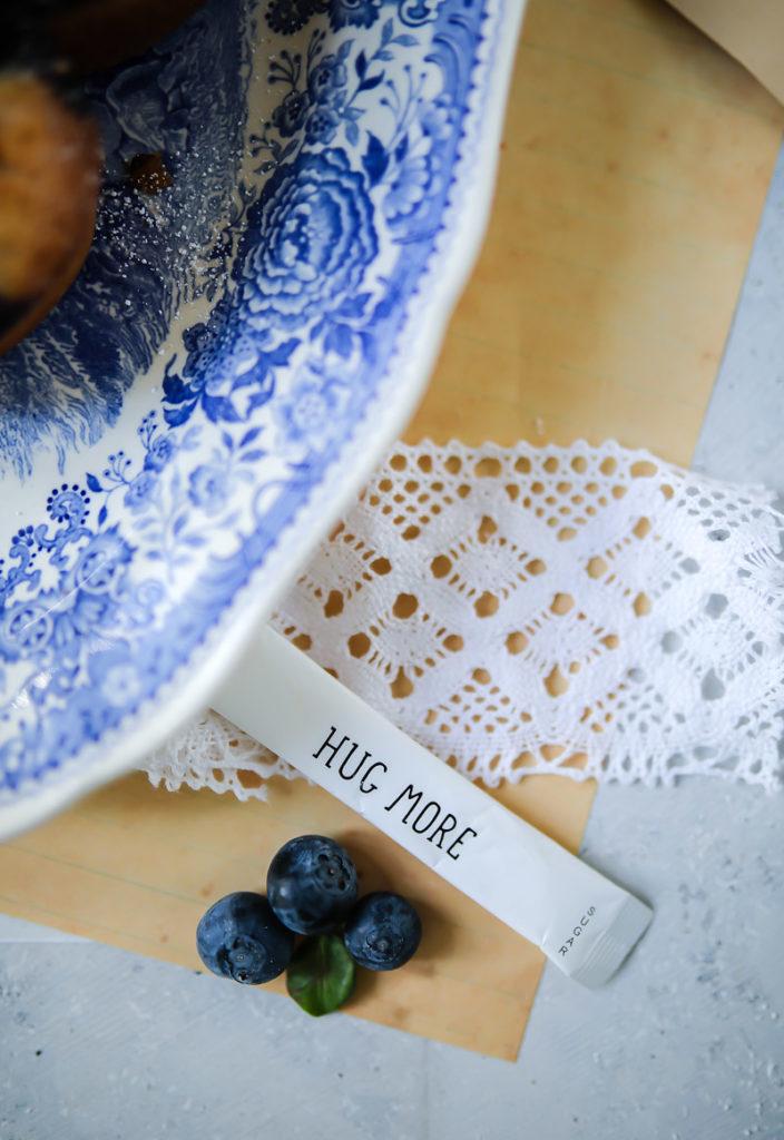 Friands Rezept Blaubeerfriands muffins einfache muffins nusskuchen kleine kuchen backen backrezept blaubeerrezept blueberry friands recipe mandelkuchen haselnusskuchen backen kuchen für kinder zuckerzimtundliebe foodstyling food photo blaubeerrezepte gebäck backen mit beeren very berry