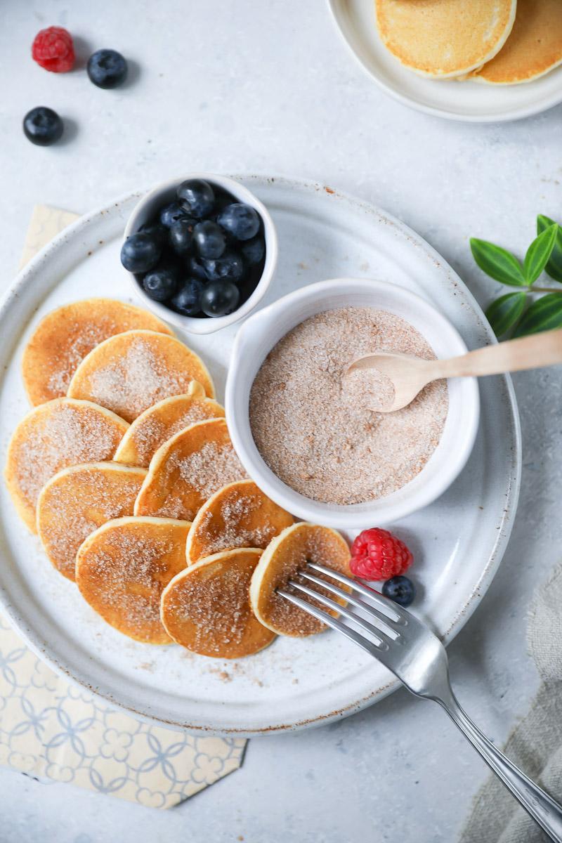 rezept f r die besten mini pancakes zucker zimt und liebe. Black Bedroom Furniture Sets. Home Design Ideas