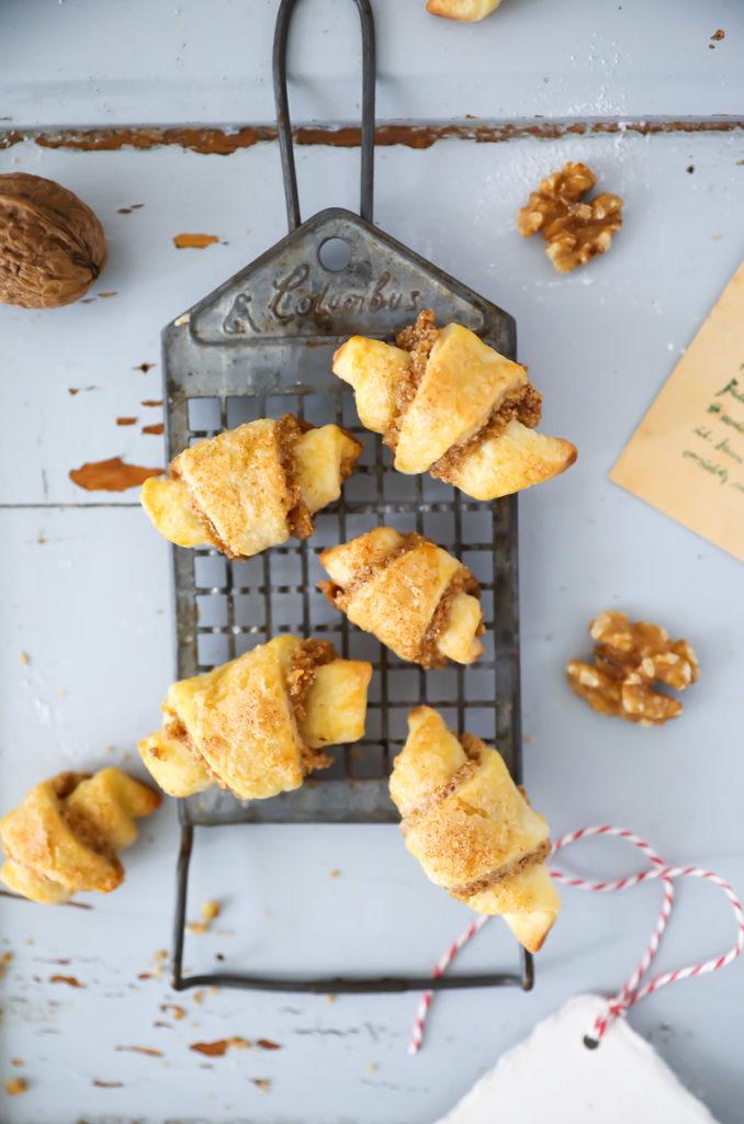 Rugelach biscuits aux noix biscuits aux noix cookies recette de biscuit recette de cuisson automne croissant au four biscuits sucre cannelle et amour blog de nourriture