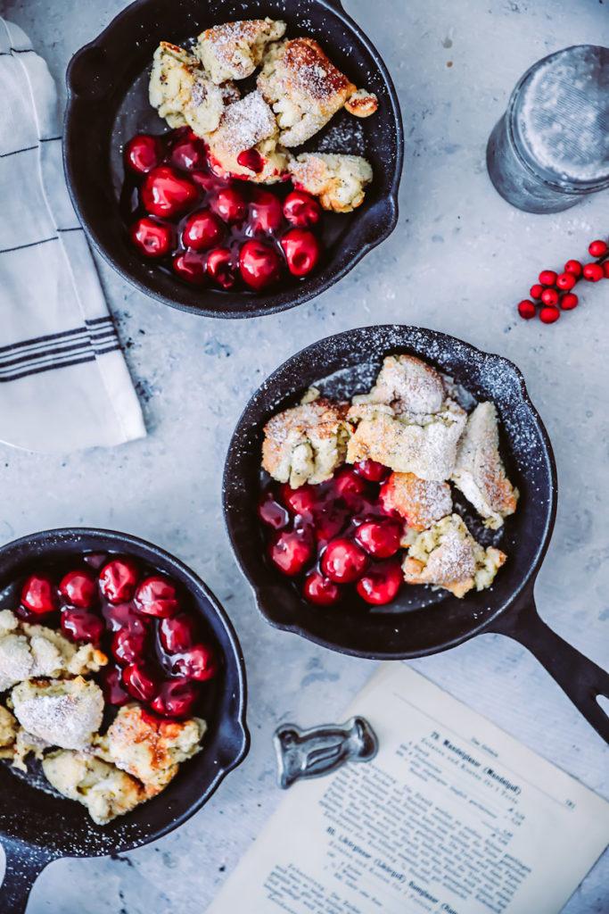 Mohn Kaiserschmarrn Rezept Ofen pulled pancake heiße kirschen zuckerzimtundliebe foodstyling food photography foodstyling pfannkuchen bester kaiserschmarrn tui mein schiff 5 bakblog