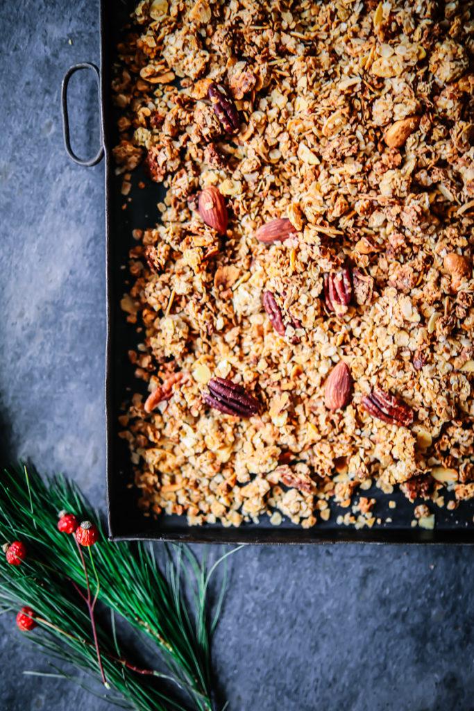 weihnachtsmuesli granola lebkuchen muesli granola selber machen zuckerzimtundliebe weihnachtsrezepte post aus meiner kueche geschenke aus der kueche essbare geschenke weihnachten lebkuchenrezepte pekannuss foodblog backblog haferflocken
