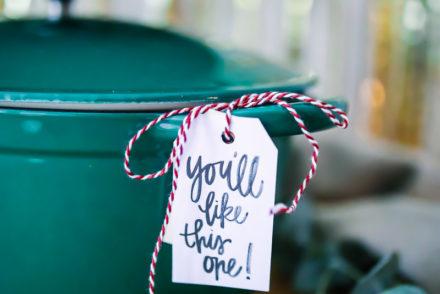 Tchibo gusseiserner bräter cocotte weihnachtsgeschenk grüner bräter Tchibo Weihnachtswelt pop up store zuckerzimtundliebe geschenkideen für foodies