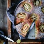Versunkener Apfelkuchen Kandis Diamant Zucker Grümmelkandis Haselnusskuchen Nusskuchen einfacher Kuchen Springform 24cm Rührkuchen Obstkuchen apple hazelnut cake recipe foodstyling foodphotography zuckerzimtundliebe backblog