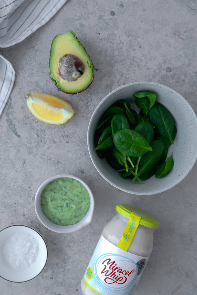 Avocado Spinat Salatdressing Salat im Glas Picknick Miracel Whip salad in a jar zuckerzimtundliebe foodblog suesskartoffel salat