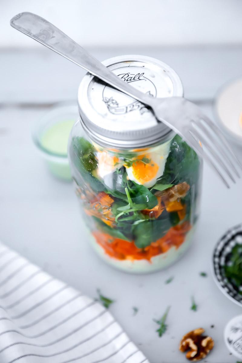 salat im glas picknick rezept zucker zimt und liebe. Black Bedroom Furniture Sets. Home Design Ideas