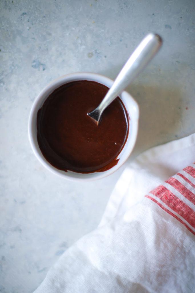Kakao Glasur Kakao Puderzucker schokoglasur rezept schokoguss für kuchen foodblog backblog zuckerzimtundliebe