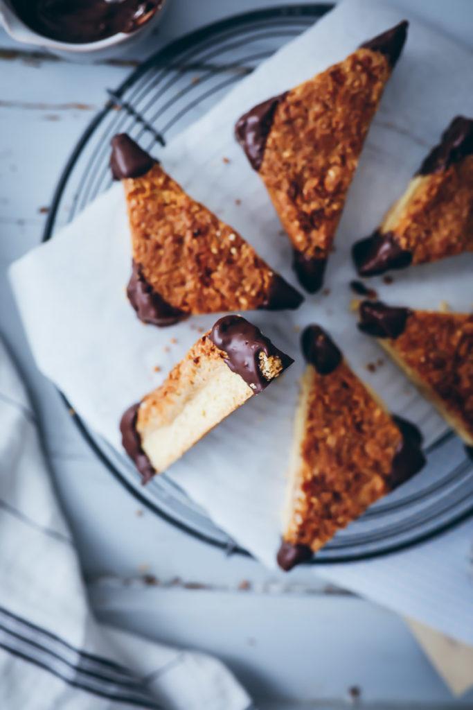 einfaches nussecken Rezept backrezept zuckerzimtundliebe nussecken wie vom Bäcker nur Triangels cookie Mürbeteig foodstyling food Photograpy backblog Baking blog bakefeed