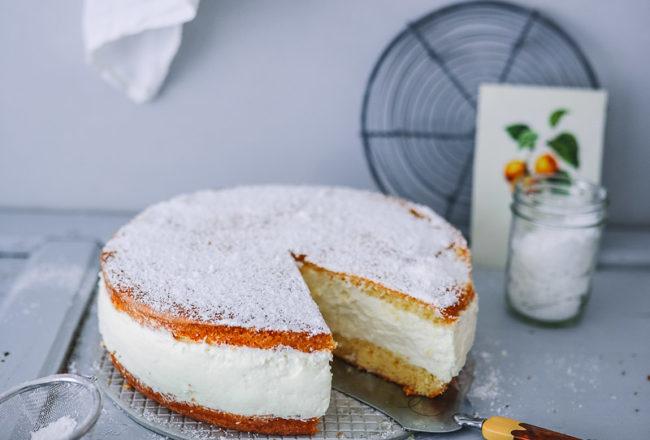 Käse Sahne Torte Rezept Käsekuchen mit Quark einfaches Backrezept foodstyling food photography zuckerzimtundliebe foodblog backblog german cheesecake quarkkuchen pretty