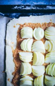 Apfeltarte Frangipane Galette Apfelkuchen Foodstyling Food photography zuckerzimtundliebe die besten apfelkuchen apfelrezepte herbstkuchen mürbeteig
