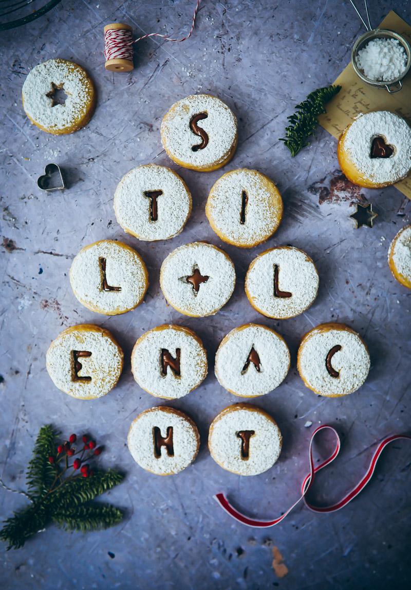 Alte Weihnachtsplätzchen Rezepte.Spitzbuben Mit Nougatfüllung Zucker Zimt Und Liebe