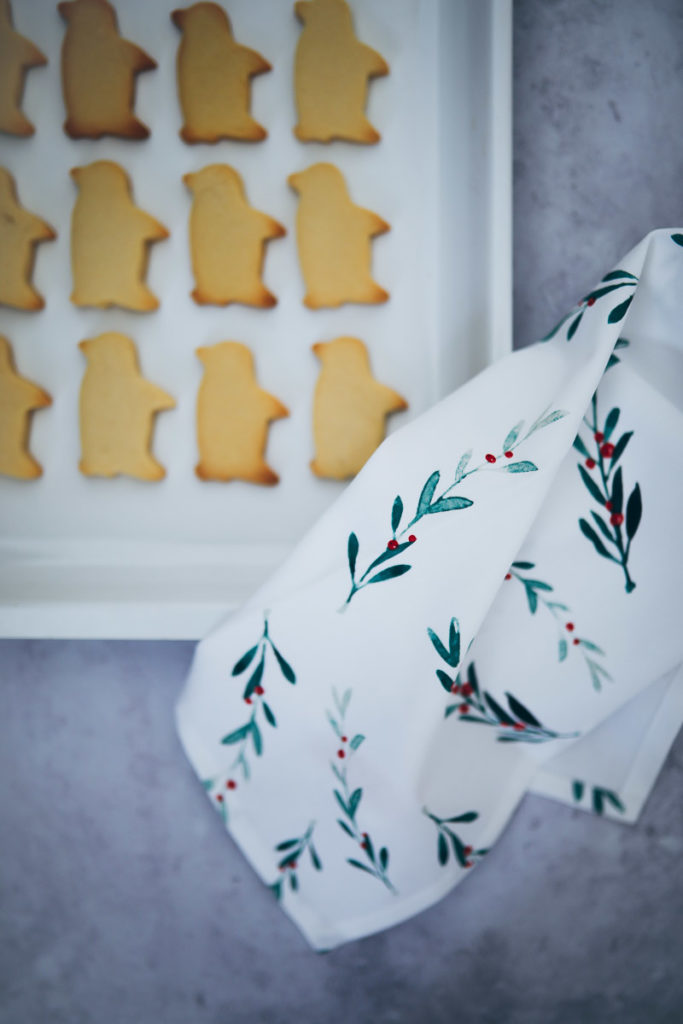Weihnachts geschirrtücher Tchibo kitchen gadget küchenzubehör weihnachtsgeschenke für geniesser und hobbyköche foodstyling ausstechplätzchen zuckerzimtundliebe backblog