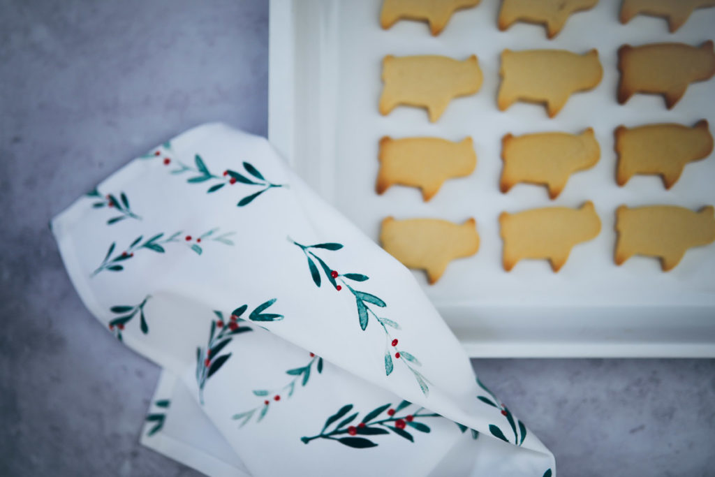 Marmor Schneidebrett Kunststoff Tchibo kitchen gadget küchenzubehör weihnachtsgeschenke für geniesser und hobbyköche foodstyling ausstechplätzchen zuckerzimtundliebe backblog