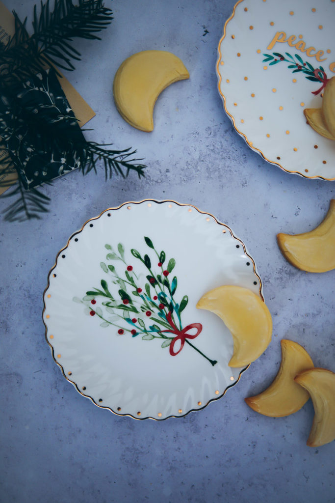 Weihnachts dessert teller porzellan Tchibo kitchen gadget küchenzubehör weihnachtsgeschenke für geniesser und hobbyköche foodstyling ausstechplätzchen zuckerzimtundliebe backblog