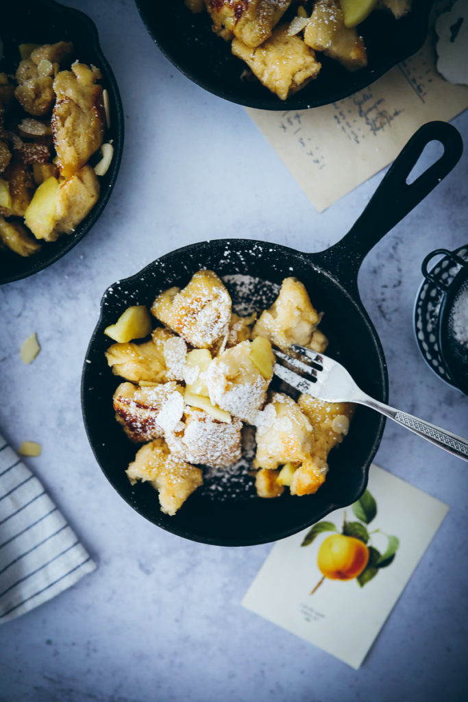 Apfel Kaiserschmarrn Rezept pulled pancake frühstück südtiroler apfelrezept soulfood rezept schmarrn aus dem ofen food styling food photography zuckerzimtundliebe backblog the bakefeed