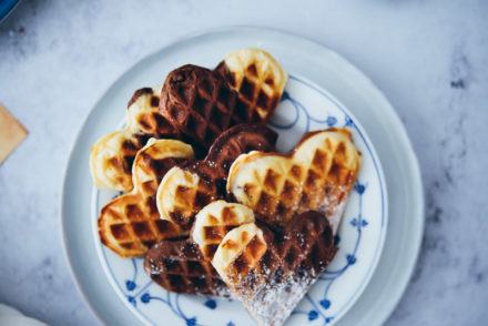 Marmor Schoko waffeln herzwaffeln einfaches waffelrezept heartwaffles marble chocolate waffles Foodblog Backblog Foodstyling Food photography Soulfood zuckerzimtundliebe waffel backen tipps