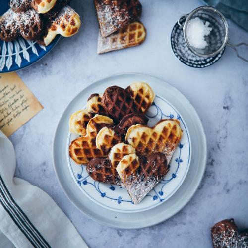 Marmor Schoko waffeln herzwaffeln einfaches waffelrezept heartwaffles marble chocolate waffles Foodblog Backblog Foodstyling Food photography Soulfood zuckerzimtundliebe waffel backen tipps
