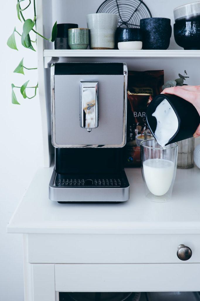 Tchibo Kaffeewelten Kaffeevollautomat esperto caffe einfacher kleiner kaffeevollautomat cappuccino espresso americano bar