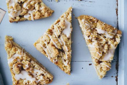 Apple Pie Apfelkuchen streuselkuchen Apple pie bars streusel einfacher kuchen herbstkuchen foodstyling food photography backblog german foodblog zuckerzimtundliebe bakefeed