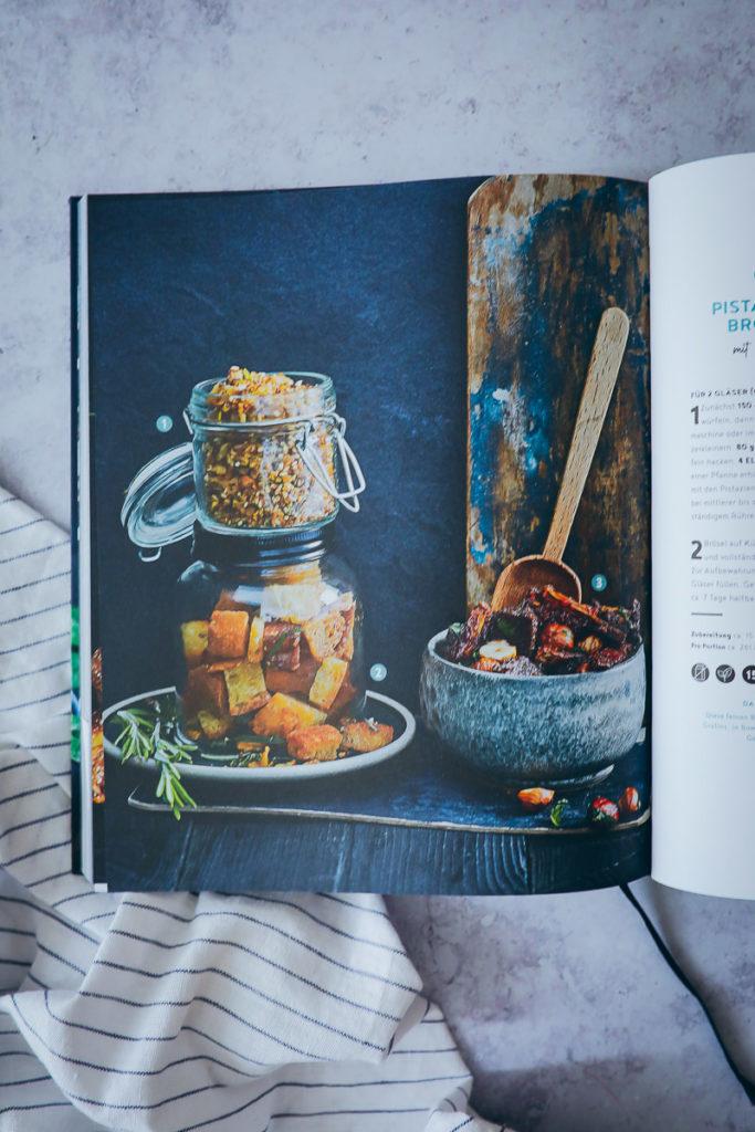 EDEKA Kochbuch alles vegetarisch laugen croutons
