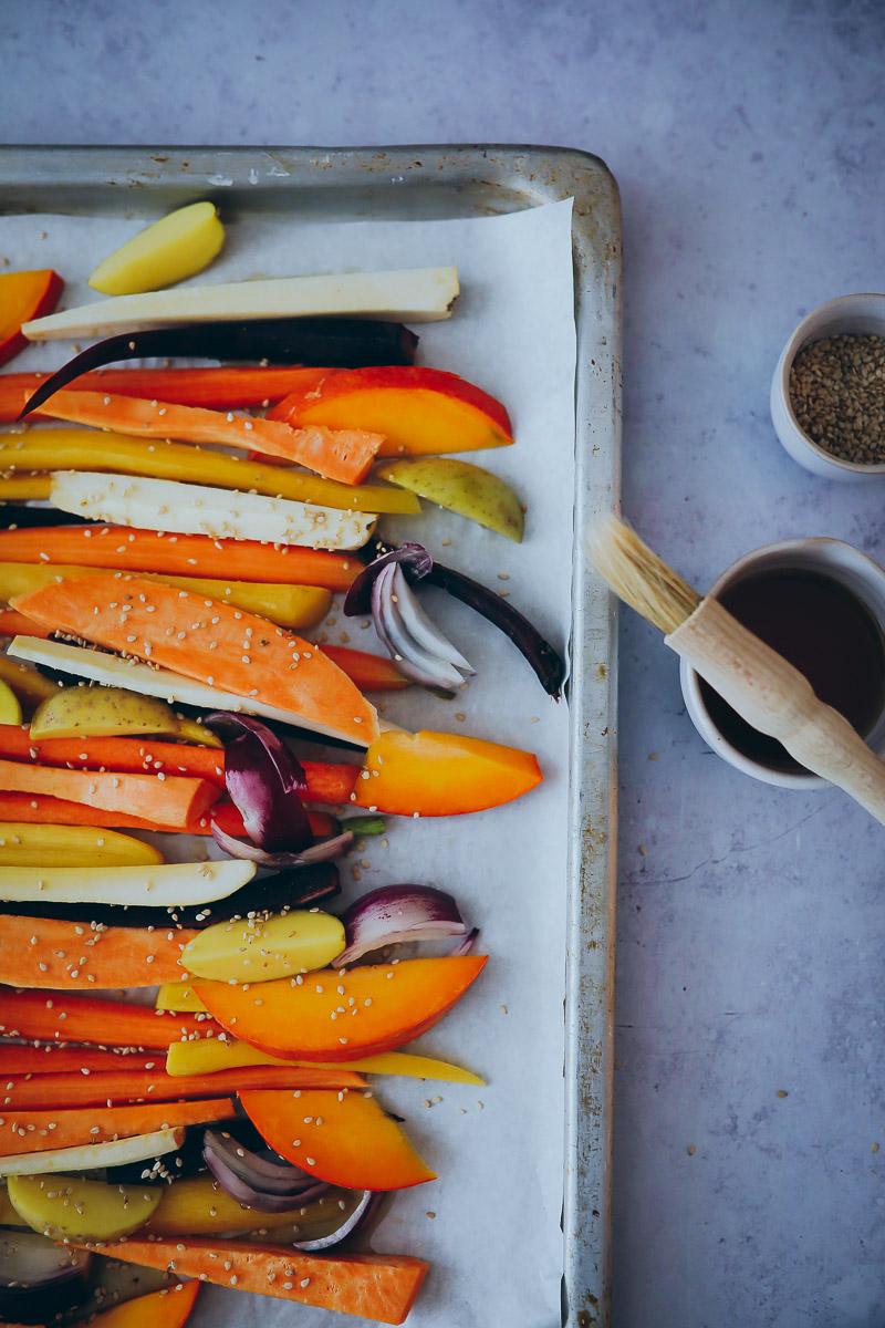 Karamellisiertes Ofengemüse Mit Sesam Und Dill Und Ahornsirup