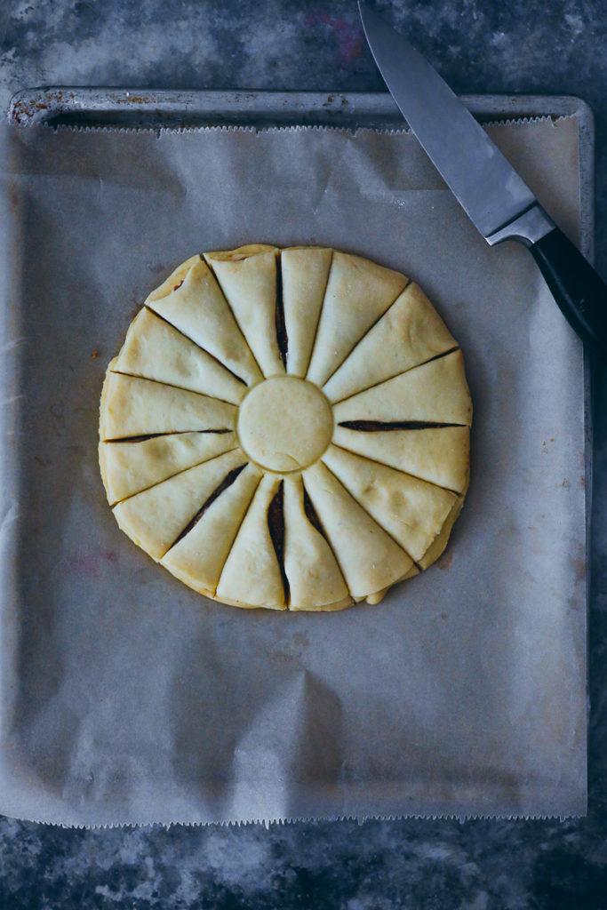 Zimtstern Hefezopf Zimtbrot Hefestern gebrannte Mandel füllung cinnamon star bread Rezept recipe foodstyling food stylist backblog zuckerzimtundliebe weihnachtskuchen weihnachtsbäckerei