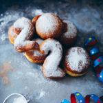 Silvester Berliner Neujahrskrapfen Kreppel Donuts foodstyling food photography zuckerzimtundliebe pfannkuchen gefuellt puderzucker