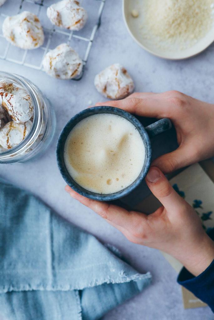 paste di mandorla italienisches mandelgebaeck plaetzchen softe amarettini zuckerzimtundliebe tchibo barista blonde rezept foodstyling cookies backblog bakefeed italian recipes dulce