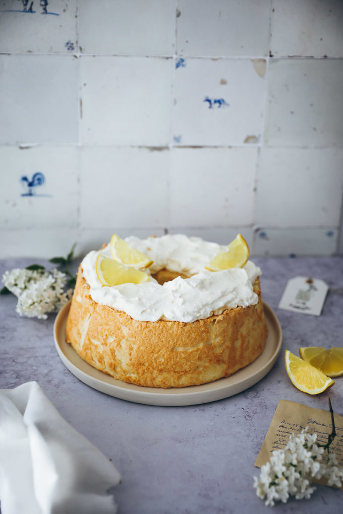Angel Food Cake Rezept Zitronen angel food cake recipe lemon cake zitronenkuchen zitronentorte engelskuchen eiweiß kuchen foodstyling food photography bakefeed food 52 foodstylist zuckerzimtundliebe backblog