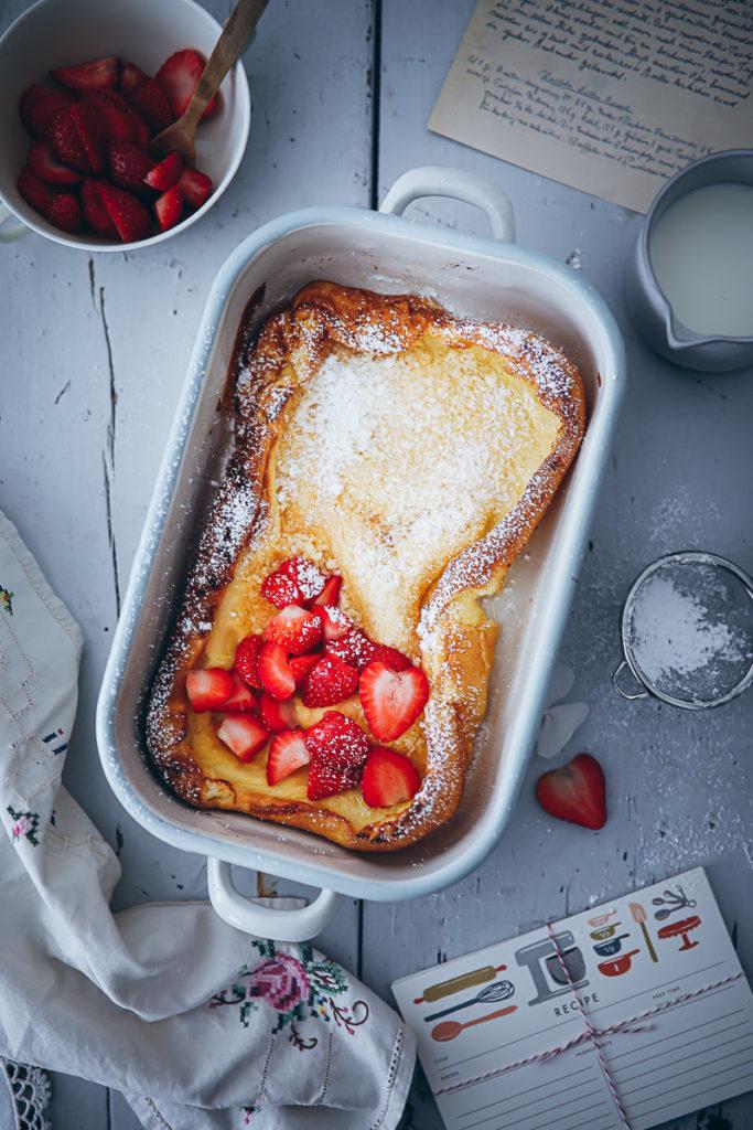 Dutch Baby Rezept Ofenpfannkuchen Auflaufform Zuckerzimtundliebe Foodstyling food photography bakefeed food 52 thekitchn erdbeer pfannkuchen pancake frühstücksrezept