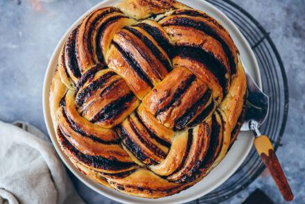 Schokoladen Chocolate Babka Challah Hefeteig Rezept Schokoladenfüllung backrezept foodstyling food photo zuckerzimtundliebe hefegebäck