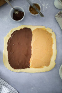 Schokoladen Erdnussbutter Babka Rezept